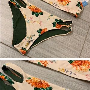NWT 💕 gorgeous peach floral bikini
